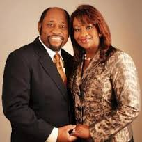 Myles Munroe y su esposa